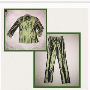 Dana Buchman 100% Silk Suit Women's Size 2